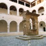 Al via i lavori di restauro al Chiostro di S. Agostino - Chiusa momentaneamente sezione del Museo dei Brettii
